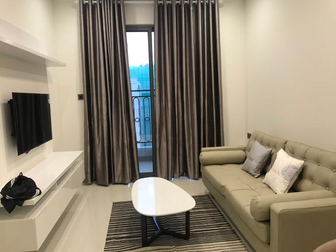 Phòng khách căn hộ Saigon Royal, Quận 4 Căn hộ Saigon Royal tầng 17 hướng Tây Bắc, nội thất đầy đủ.