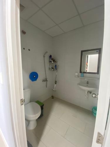 Phòng tắm căn hộ Topaz Elite, Quận 8 Căn hộ Topaz Elite tầng cao đầy đủ nội thất, hướng Đông Bắc.