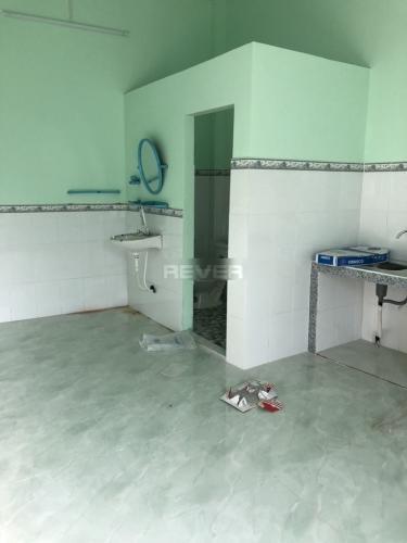 Phòng tắm nhà phố Bình Chánh Nhà phố mặt tiền đường Tân Long hướng Bắc diện tích đất 242m2.