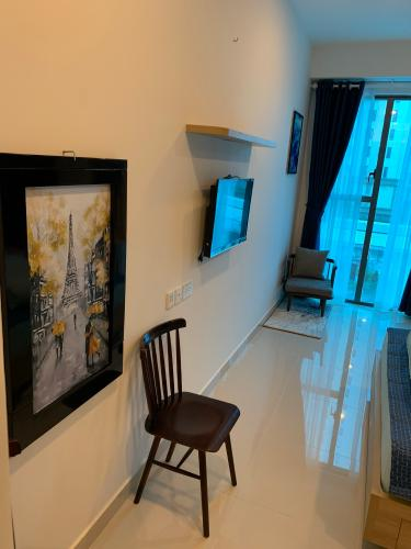 Căn hộ Officetel The Tresor tầng thấp, bàn giao nội thất cơ bản.