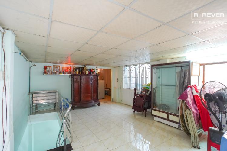 Ban công nhà phố QUẬN 4 Bán nhà phố hẻm Tôn Đản, Quận 4, đầy đủ nội thất, hướng Đông Bắc
