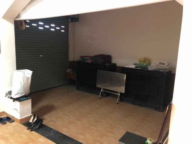 Không gian biệt thự Biệt thự Thảo Điền Quận 2 trang bị đầy đủ nội thất, khu vực an ninh.