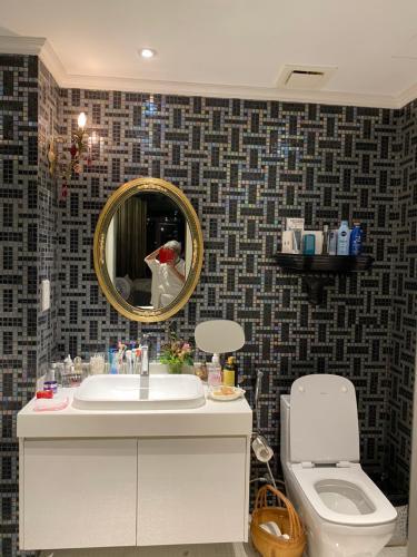Phòng tắm căn hộ Gateway Thảo Điền, Quận 2 Căn hộ Gateway Thảo Điền nội thất nhập khẩu, được đăng trên tạp chí Elle Decoration 2019