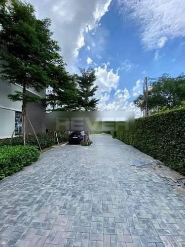 Đường trước nhà phố Huyện Bình Chánh Nhà phố Mizuki Park diện tích 100m2 kết cấu 3 tầng kiên cố, đầy đủ nội thất.