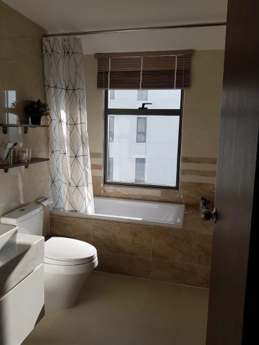 Phòng tắm Saigon Royal Quận 4 Căn hộ Saigon Royal, Tầng cao, Nội thất cao cấp