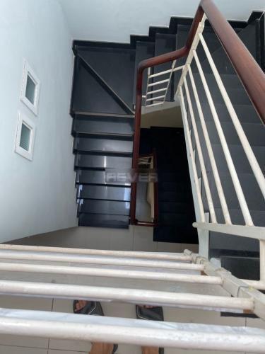 Nhà phố Quận 8 Nhà phố kết cấu 1 trệt 2 lầu hướng Đông thoáng mát, nội thất cơ bản.