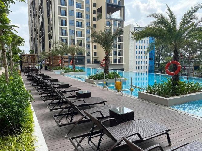 Tiện ích hồ bơi Hado Centrosa Garden, Quận 10 Căn hộ Hado Centrosa Garden đầy đủ nội thất, view thành phố.