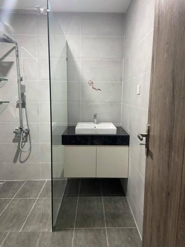 Phòng tắm căn hộ Lavida Plus, Quận 7 Căn hộ OT tầng 8 Lavida Plus có 1 phòng ngủ, nội thất cơ bản.