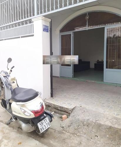 Nhà phố cấp 4 đường Nam Cao, diện tích 67m2 không nội thất.