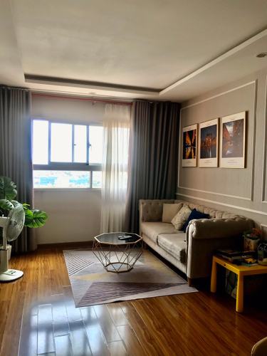 Căn hộ I-Home 1 tầng 14 ban công hướng Đông Nam, view đón gió thoáng mát.