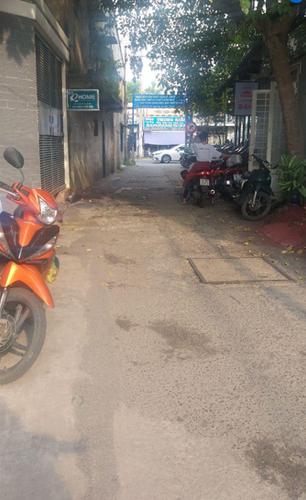 Đường trước nhà phố Quận Bình Thạnh Nhà phố cửa hướng Đông Nam diện tích 108m2, khu dân cư hiện hữu.