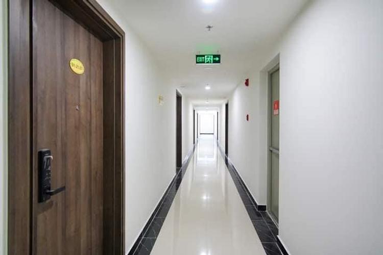 Lối đi căn hộ Q7 Boulevard, Quận 7 Officetel Q7 Boulevard tầng 4 diện tích 28.23m2, nội thất cơ bản.
