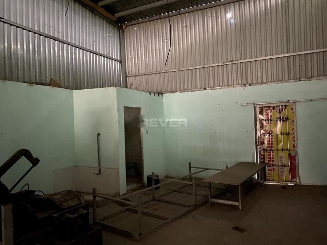Không gian nhà kho Huyện Bình Chánh Nhà kho xưởng diện tích 240m2 mặt tiền Võ Văn Vân, khu dân cư sầm uất.
