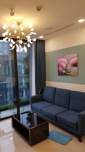 Phòng khách căn hộ Vinhomes Golden River Căn hộ Vinhomes Golden River đầy đủ nội thất tiện nghi, tầng cao.