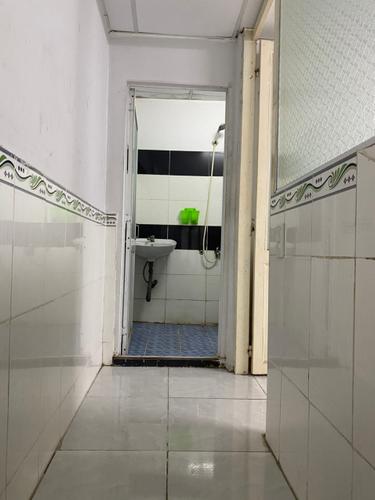 Nhà phố Quận Bình Tân Nhà phố thiết kế 1 trệt, 1 lửng đúc kiên cố, không có nội thất.