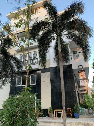 Nhà phố Quận 7 Nhà phố kết cấu 1 trệt 1 lửng 3 lầu diện tích 126m2, nội thất cơ bản.