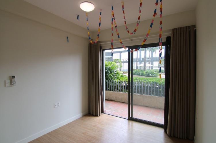 Phòng ngủ căn hộ Duplex Masteri Thảo Điền, Quận 2 Căn hộ Duplex Masteri Thảo Điền nội thất cơ bản, ban công thoáng rộng
