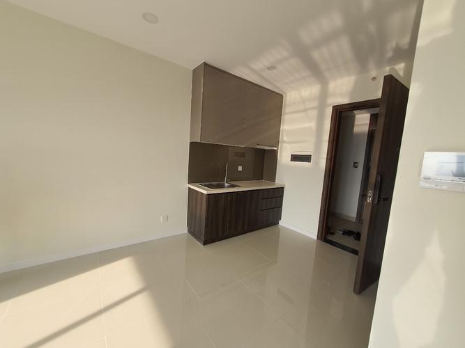 Officetel Lavida Plus tầng 10 cửa hướng Tây, ban công đón gió thoáng mát.