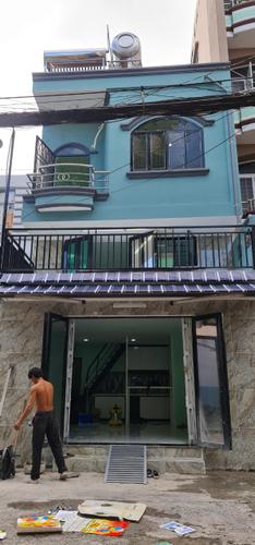 Nhà phố Quận 3 Nhà phố căn góc có 2 mặt tiền hẻm rộng 8m, nội thất cơ bản.