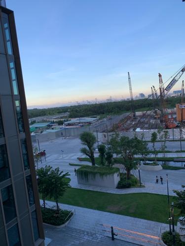 View căn hộ Empire City, Quận 2 Căn hộ Empire City tầng 5 ban công hướng Tây Nam, đón gió thoáng mát.
