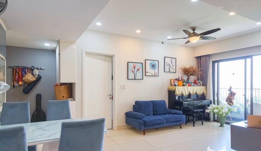 Phòng khách căn hộ Masteri Thảo Điền, Quận 2 Căn hộ tầng 6 Masteri Thảo Điền view thoáng mát, nội thất cơ bản.