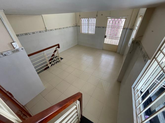 Không gian nhà phố Quận 4 Nhà phố Quận 4, diện tích đất 32m2, sổ hồng pháp lý đầy đủ.