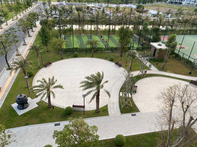 View căn hộ Vinhomes Grand Park, Quận 9 Căn hộ Vinhomes Grand Park tầng 5 có 3 phòng ngủ, nội thất cơ bản.
