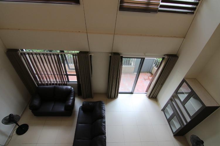 Phòng khách căn hộ Duplex Masteri Thảo Điền, Quận 2 Căn hộ Duplex Masteri Thảo Điền nội thất cơ bản, ban công thoáng rộng