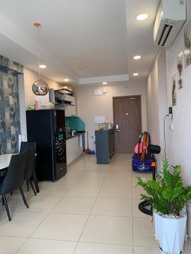 Căn hộ The Pegasuite 1 hướng Đông Nam, nội thất đầy đủ tiện nghi.