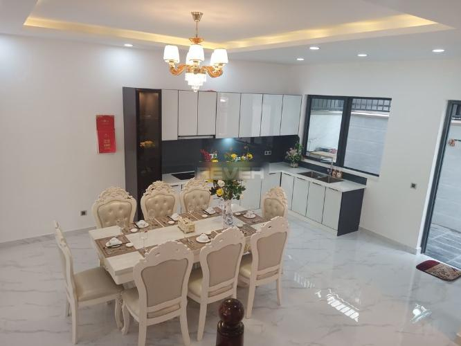Phòng bếp biệt thự Huyện Nhà Bè Biệt thự KDC Nine South Estates kết cấu 1 trệt 2 lầu có tầng áp mái, đầy đủ nội thất.