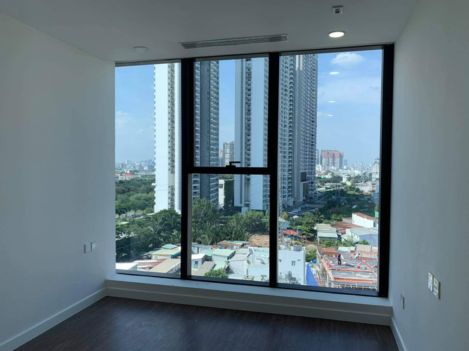 Officetel Sunshine City Saigon, Quận 7 Officetel Sunshine City Saigon tầng 6 diện tích 69m2, nội thất cơ bản.
