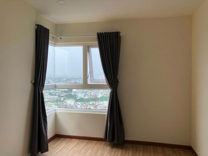 Căn hộ Diamond Riverside tầng 24 có 2 phòng ngủ, view sông thoáng mát.