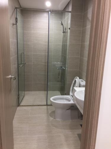 Toilet Vinhomes Grand Park Quận 9 Căn hộ Vinhomes Grand Park tầng trung, đầy đủ nội thất.