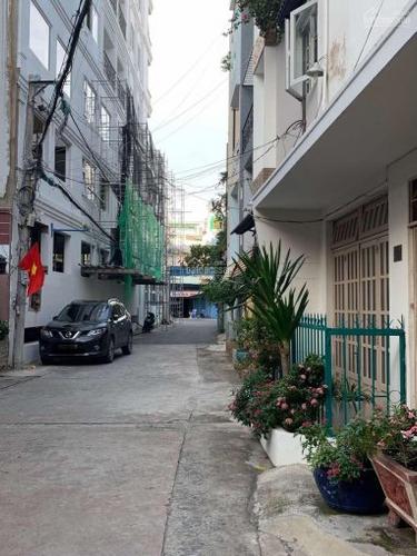 Đường trước mặt bằng kinh doanh Quận Bình Tân Mặt bằng kinh doanh diện tích 125m2, khu vực dân cư sầm uất.