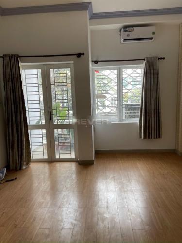 Không gian nhà phố Quận Gò Vấp Nhà phố mặt tiền đường số 14, có sân thượng rộng rãi, nội thất cơ bản.