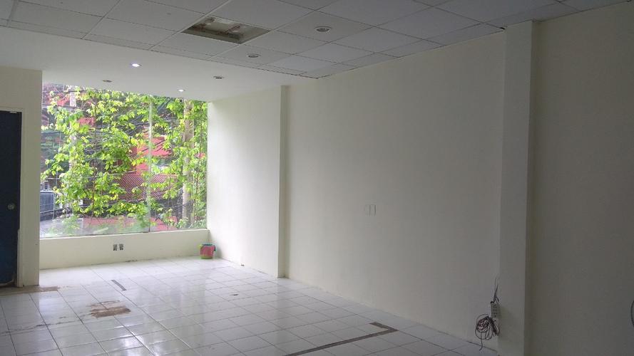 Mặt bằng kinh doanh Quận 10 Văn phòng kết cấu 1 trệt, 1 lầu diện tích 80m2, bàn giao không có nội thất.