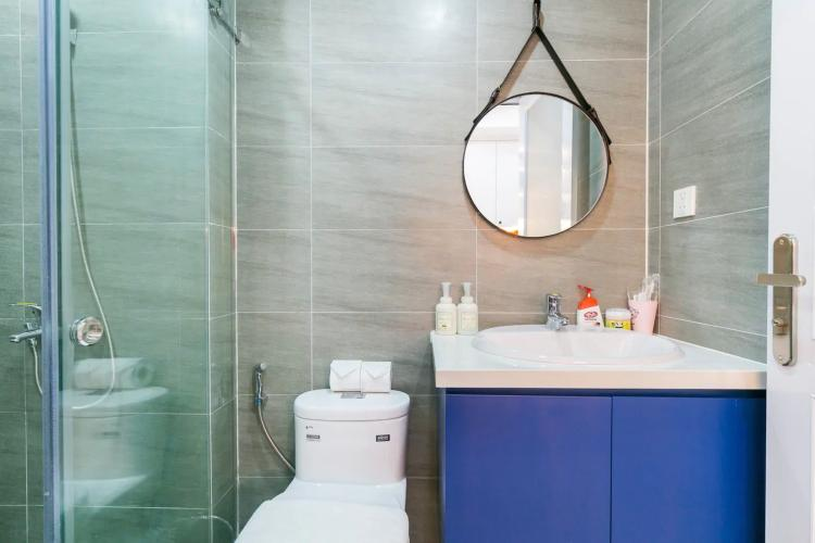 Toilet căn hộ MASTERI MILLENNIUM Bán căn hộ Masteri Millennium 1PN, tầng thấp, đầy đủ nội thất, view trực diện hồ bơi