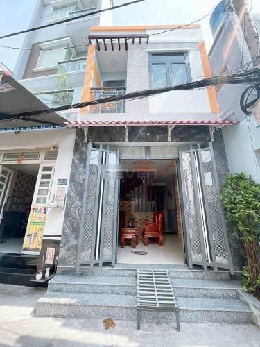 Nhà phố có 2 mặt tiền đường cực thoáng mát, diện tích 58m2 nội thất cơ bản.