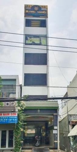 Nhà phố thiết kế 5 tầng đúc chắc chắn có thang máy, không có nội thất.