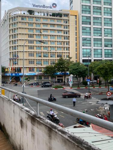 View nhà phố Quận 1 Nhà phố diện tích 54m2 cửa hướng Tây thoáng mát, mặt tiền đường rộng rãi.