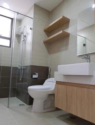 nhà tắm căn hộ The Sun Avenue Căn hộ tầng 23 The Sun Avenue  nội thất đầy đủ, view thành phố cực đẹp