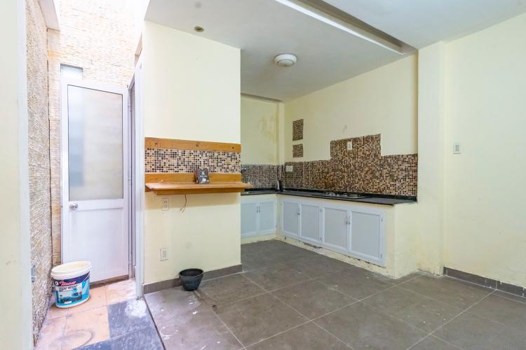 Phòng bếp nhà phố Quận 7 Nhà phố hướng Tây diện tích 4mx15m, hẻm xe hơi quay đầu 5m.