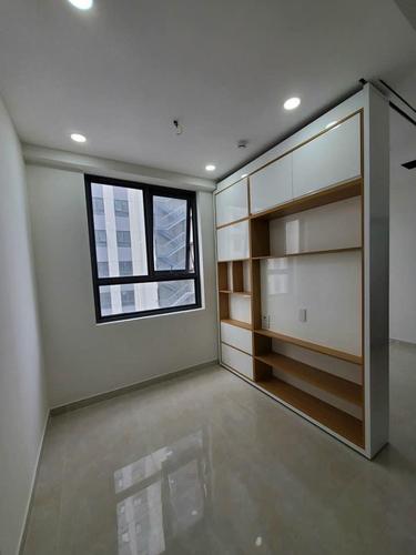 Căn hộ Saigon Intela tầng 19 đầy đủ nội thất, tiện ích đa dạng.