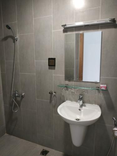 Phòng tắm căn hộ Centum Wealth, Quận 9 Căn hộ tầng 2 Centum Wealth hướng Tây Bắc, nội thất cơ bản.