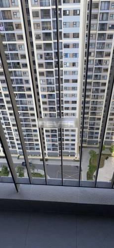 View căn hộ Vinhomes Grand Park, Quận 9 Căn hộ Vinhomes Grand Park tầng 30 view nội khu, đầy đủ nội thất.