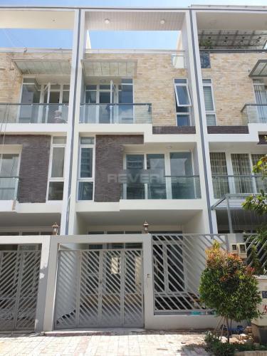 Mặt tiền văn phòng Jamona Golden Silk, Quận 7 Văn phòng Jamona Golden Silk Quận 7 diện tích 108m2, hướng Bắc nội thất cơ bản.