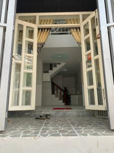 Nhà phố diện tích 30m2 kết cấu 1 trệt, 1 lửng,2  lầu và sân thượng.