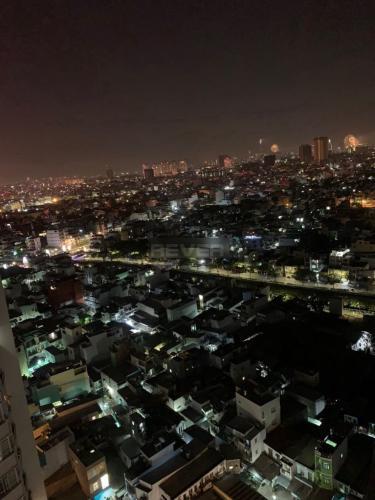 View căn hộ Him Lam Chợ Lớn, Quận 6 Căn hộ tầng 20 Him Lam Chợ Lớn đầy đủ nội thất, view thành phố sầm uất.