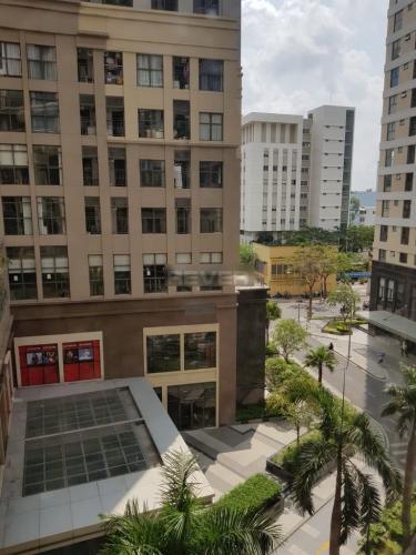 View căn hộ The Tresor, Quận 4 Căn hộ Officetel The Tresor tầng thấp, nội thất cơ bản.