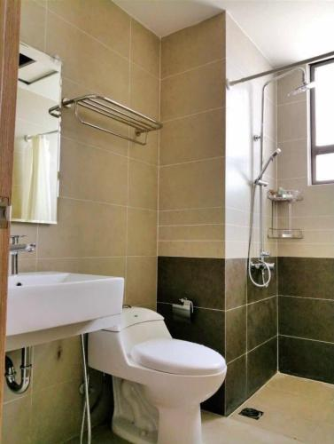 Phòng tắm căn hộ The Sun Avenue, Quận 2 Căn hộ The Sun Avenue ban công rộng rãi, đón gió và nắng thoáng mát.